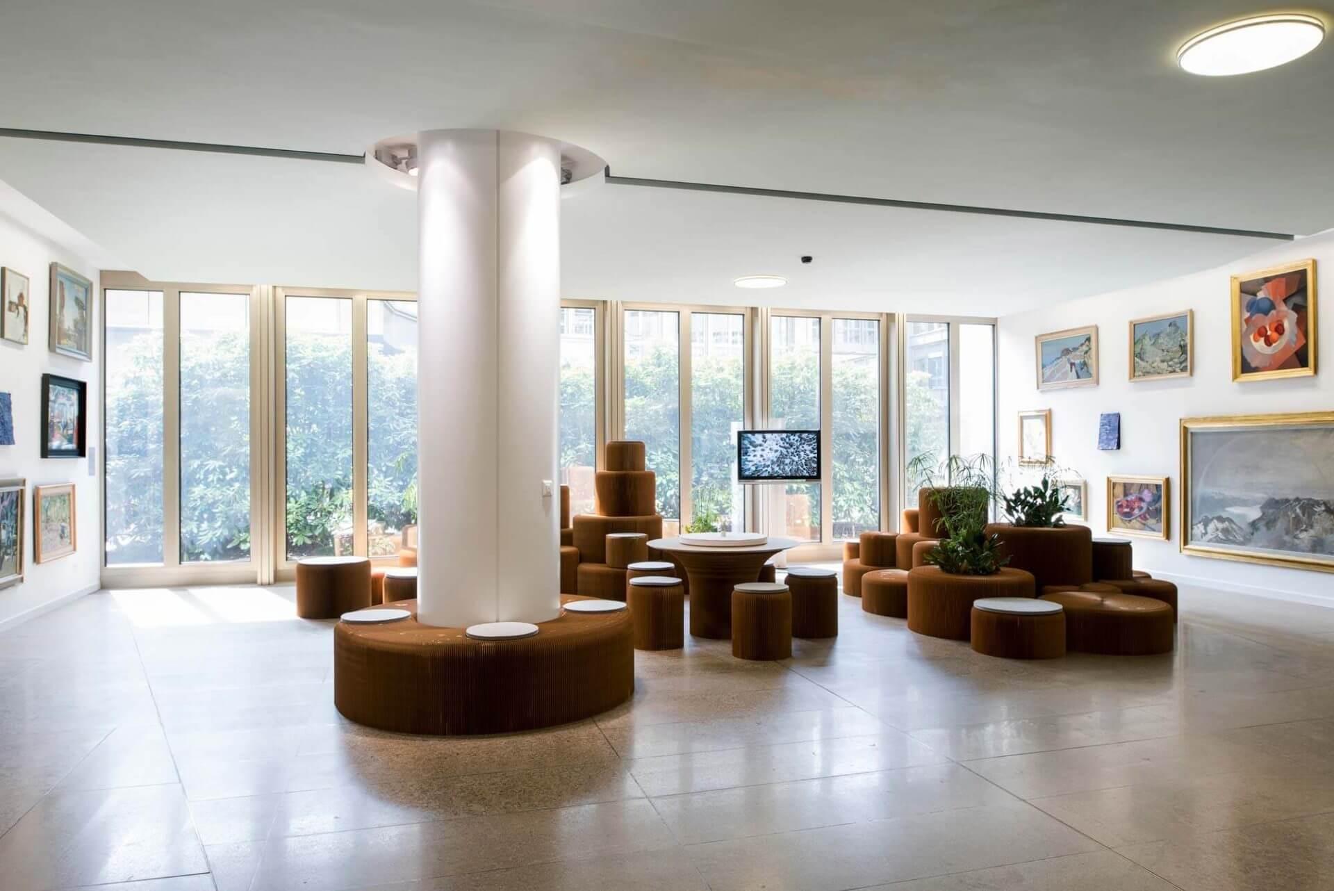 FLOW Konzeption Einrichtung Lounge «Kunst & Nachhaltigkeit Vol. 7», Herbst 2016 bis Sommer 2017. Die Mobiliar, Direktion Bern